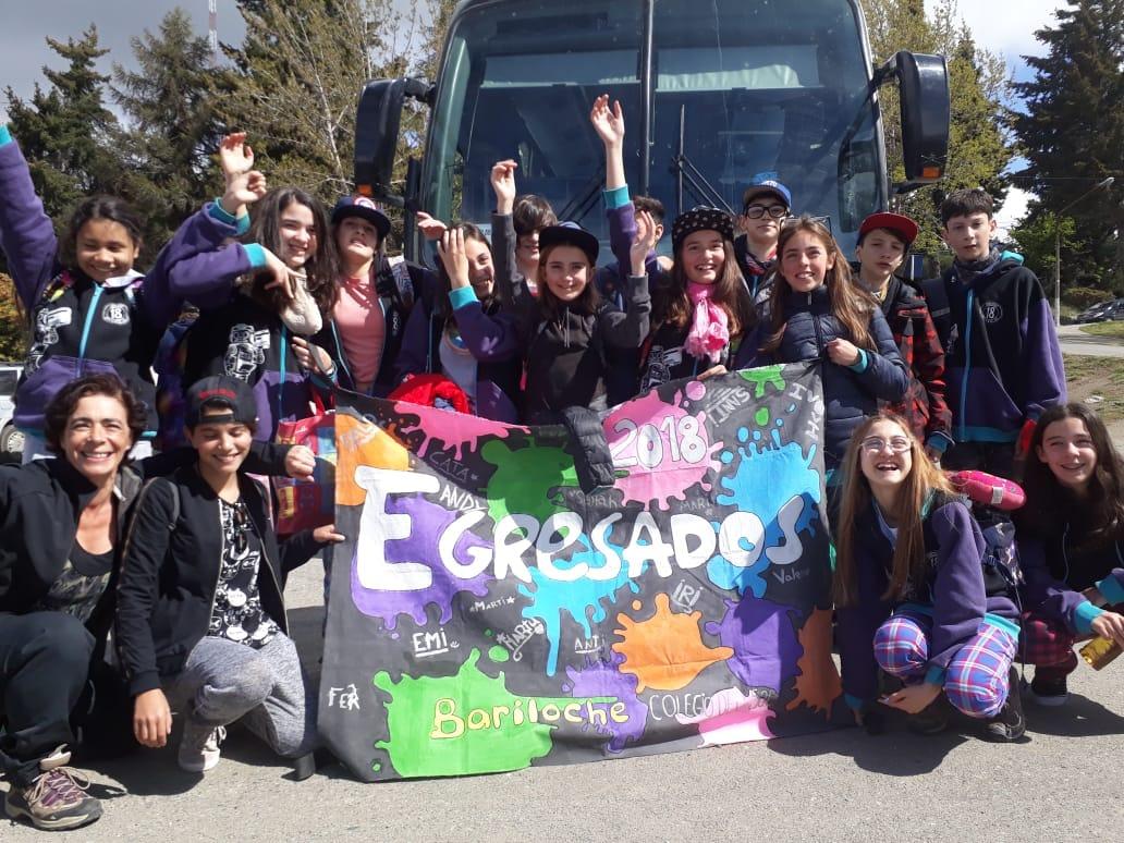 Con estas caritas de felicidad se van los chicos de 7mo grado a disfrutar su viaje de egresados...feliz viaje!!!?